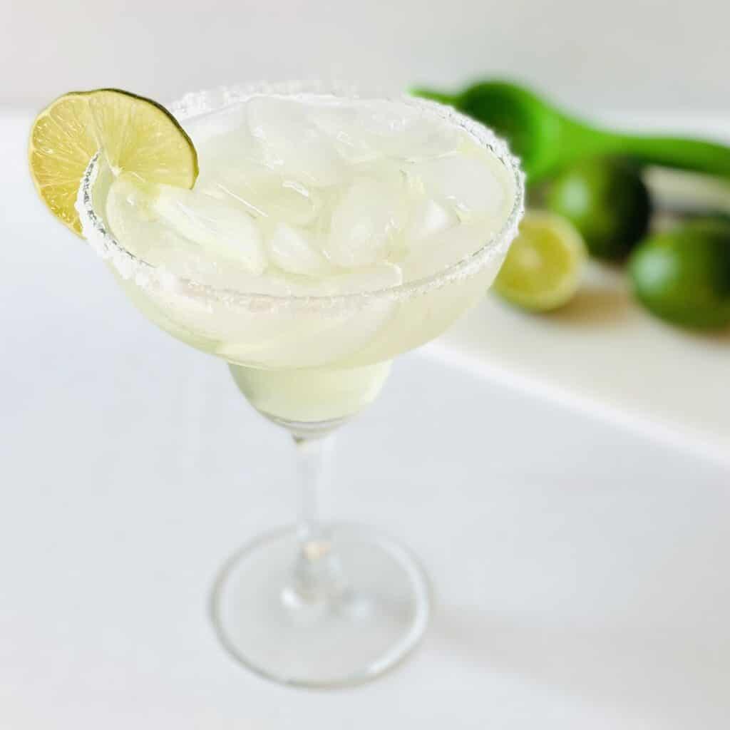 vodka-margarita-in-glass-limes-in-background