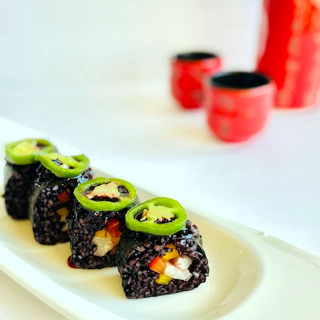 black-rice-sushi-with-jalapeno-rasberry-jam