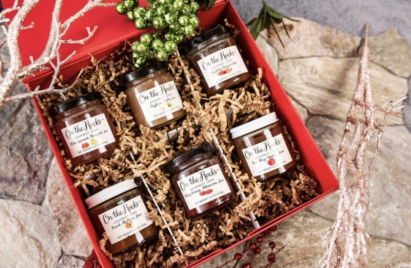 6 jars of jam in a decorative gift box